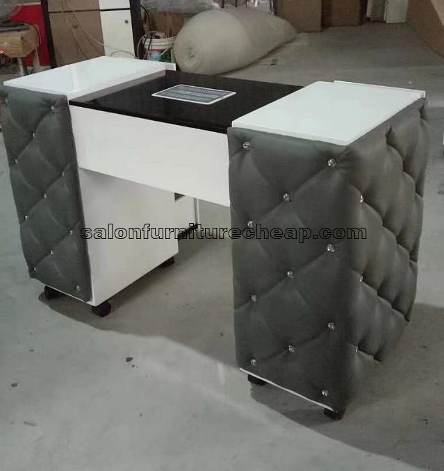 Customized black manicure table